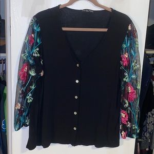 Kim and Kami embroidered button up blouse